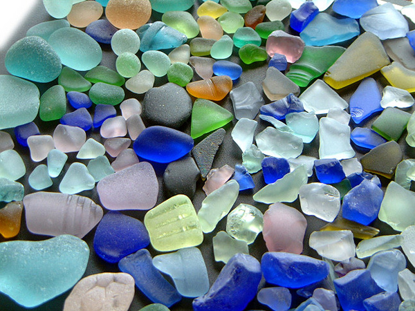 GENUINE & ARTIFICIAL SEA GLASS